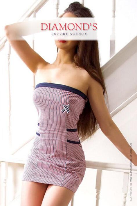 Linda luxury-escort-girl-zurich