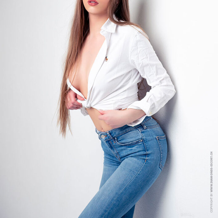 Nika luxury-escort-model-zurich