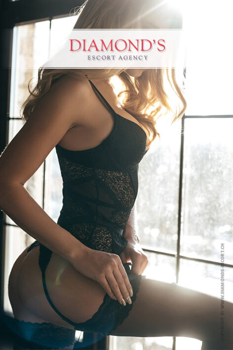 sharon elite-escort-girl-lugano-bern